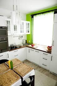 cuisine classique chic 55 rideaux de cuisine et stores pour habiller les fenêtres