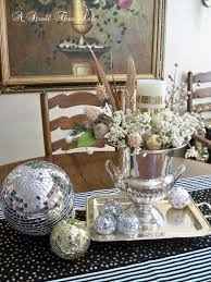 a stroll thru life new table runners and pillows