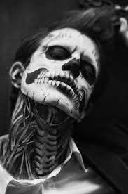 imagenes de calaveras hombres maquillaje halloween hombre calavera cuello cara jpg 498 750