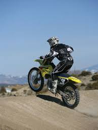 how to jump a motocross bike two ways to jump dirt rider magazine dirt rider