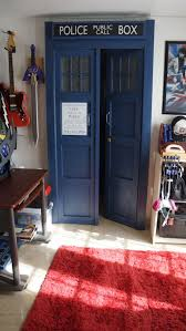 Bedroom Door Tardis Wardrobe This Would Make Me The Happiest Of Pandas My