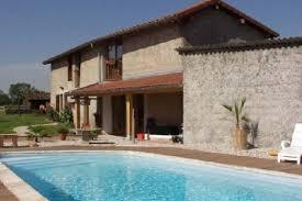 chambre hote avec piscine location chambres d hôtes avec piscine proche de lyon et pérouges