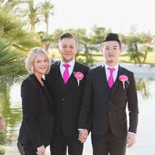 wedding officiator award winning las vegas wedding officiant and minister