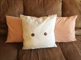 Accent Pillows For Brown Sofa by Bedroom Gorgeous Cheap Throw Pillows For Bedroom Accessories