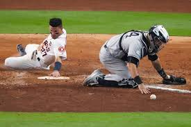 altuve u0027s dash lifts verlander astros over yanks in game 2 sfgate