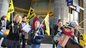 bureau de poste lorient lorient sud ptt contre la fermeture des bureaux de poste