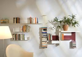 bookshelf decorations creative easy bookshelf decorating idea easy bookshelf decorating