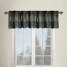 amazon com united curtain plaid straight valance 54 by 18 inch
