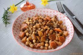 cuisiner le navet tajine de pois chiches navets boule d or et raisins secs au fil
