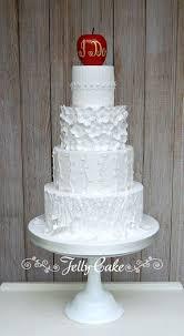 snow white wedding cake cake by jellycake trudy mitchell