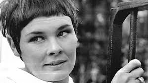 how to get judi dench hairstyle the roles of a lifetime judi dench movies galleries paste