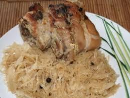 cuisiner choucroute cuite jarret de porc braisé aux baies de genièvre sur lit de choucroute