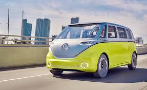 volkswagen concept van volkswagen i d buzz concept pictures photo gallery car and driver
