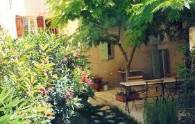 chambre d h es vaucluse chambre d hôtes le petit jardin à le barroux vaucluse chambre