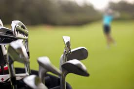 have a laugh with these funny golf jokes