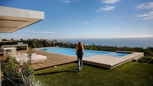 Home Blue A Pacific Palisades Home Is Remodeled To Welcome A Stunning Ocean