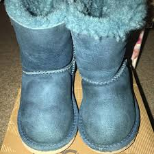 ugg bailey bow sale size 7 find more size 7 teal bailey bow uggs for sale at up to 90