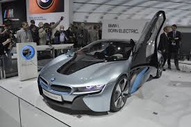 Bmw I8 Roadster - video bmw i8 roadster wins north american concept car of the year