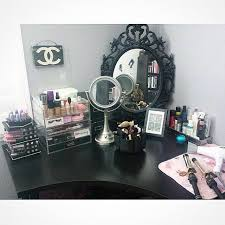 Jewelry And Makeup Vanity Table Best 25 Makeup Desk Ideas On Pinterest Vanity Beauty Desk And