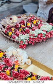 Indian Wedding Flower Garlands Indian Flower Garland Stockbilder Und Bilder Und Vektorgrafiken