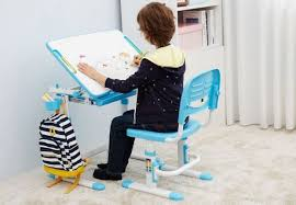 bureau bébé comment bien choisir le bureau de votre enfant