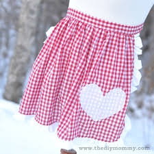 sew a ruffled apron with a heart applique the diy mommy
