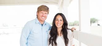 chip and joanna gaines from fixer upper our story magnolia