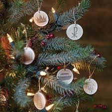 anticipating the birth of jesus with a tree catholic