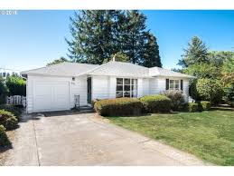 Mobile Homes For Rent In Sacramento by 10534 Ne Sacramento St Portland Or 97220 Mls 16126817 Redfin