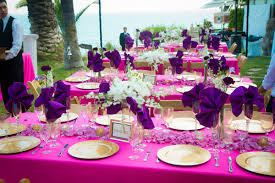 wedding flowers ideas sweet purple flower petals for wedding