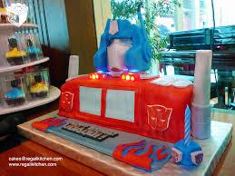 transformers cakes transformers optimus prime cake