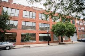 brad keywell venture buys west loop loft office building from r2