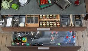 comment ranger la vaisselle dans la cuisine rangement vaisselle cuisine maison design bahbe com