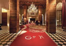 Red Room Stay At The Most Romantic Hotels In Nyc For Swoon Worthy Getaways