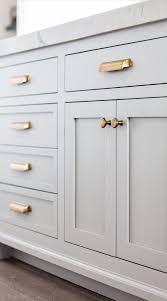 what color hardware for white kitchen cabinets 10 diy pas chers qui rehausseront instantanément votre