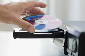 what format dvd player read the difference between commercial and home recorded dvds