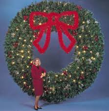 Giant Commercial Outdoor Christmas Decorations by Giant Outdoor Christmas Wreaths Sprays And Greenery Commercial