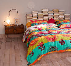 Quirky Bedroom Furniture by Quirky Bohemian Bedroom Bright Boho Quilt Stacked Books As A Bed