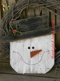 rustic wood snowman head craft free diy decoration and decoration