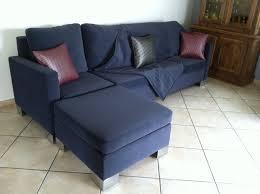 canapé avec repose pied création de mme et mr d tendance chic tapissier créateur