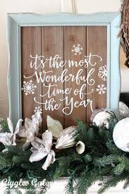 handmade holiday christmas mantle decorating ideas vinyl signs