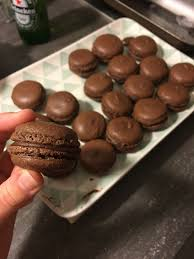 hervé cuisine mousse au chocolat recette des macarons au chocolat en vidéo