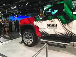 Colors Of Uae Flag Gmc Sierra Hd Special Edition Celebrates 44 Years Of The Uae