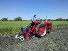 2 Row Corn Planter by 2 Row Planter Farmall C Farmall Bill Jr Pinterest Tractor