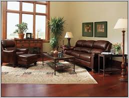 colors that go with burgundy sofa painting 23548 a87eyxq761