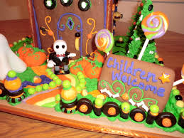 Pictures Of Houses Decorated For Halloween by Halloween Gingerbread House Ideas