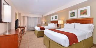 Furniture Stores In Indianapolis 46221 Holiday Inn Express U0026 Suites Indianapolis Dtn Conv Ctr Area Hotel