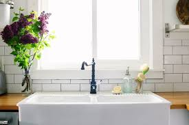 What To Clean A Bathtub With How To Naturally Clean Your Sink 4 Homemade Recipes Live Simply