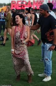 kyle richards needs to cut her hair kyle richards dances alongside husband mauricio umansky at