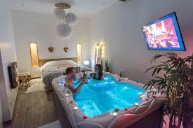 chambre romantique hotel l escapade romantique chambre avec spa privatif au nord